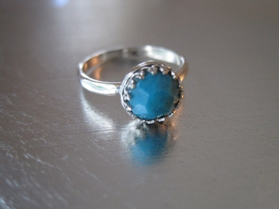 Faceted Blue Turquoise and Sterling Silver Crown Ring