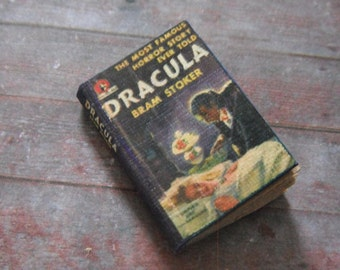 Miniature Book --- Dracula