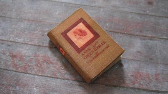 Miniature Book --- Anne of Green Gables