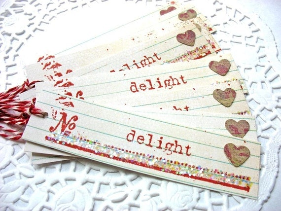 Glittering Delight Heart Gift Tags by Pearliebird-set of 8-hang tag-cream-white-red
