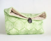 Makeup Bag, Spring Green and Ivory Clutch Purse, Great for Travel, Gift Under 25, Bridesmaid Gift, Seashell, Shell