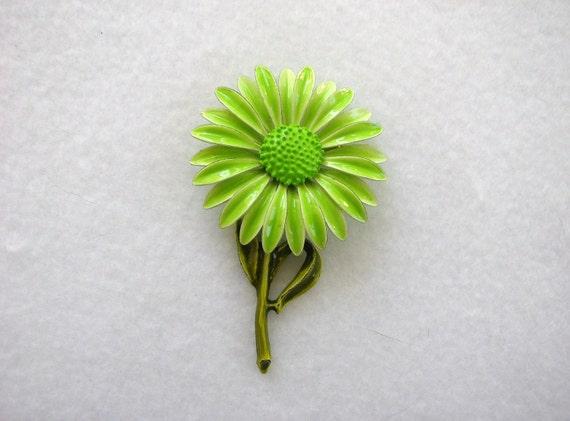 Lovely Vintage Spring Green Dimensional Layered Petal Enameled Flower Pin Brooch