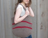 big crochet bag in taupe and cranberry