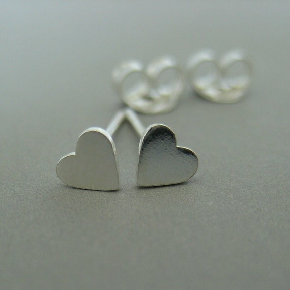 Sterling Silver Tiny Heart Stud Earrings (460)