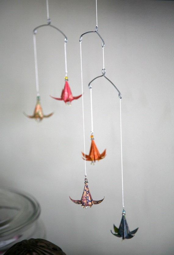 Floating Lily Hanging Mobile (rainbow)
