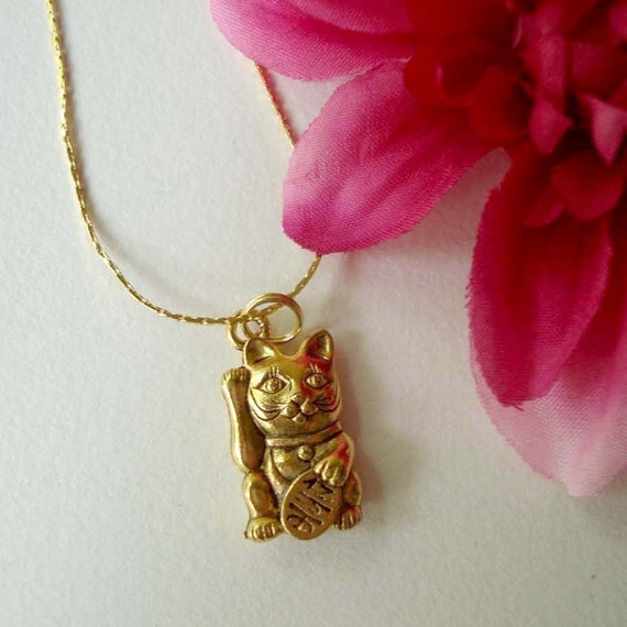 maneki neko charm necklace - lucky cat necklace in gold - bohemian chic jewelry accessory - good luck cat charm - cat jewelry - lucky charm