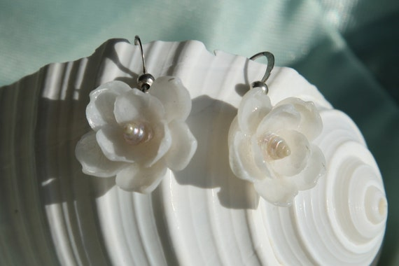 White Petite SEASHELL Flower Earrings with White Pearly Trochus Shells