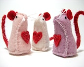 Little Felt Valentine Mice - 3 Small Wool Mice with Sliding Box.
