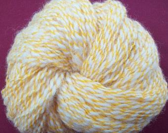Handspun baby alpaca / Ply with yellow lace type yarn / Honey dew /