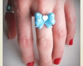 Cute Pin Up style plastic polka dot bow ring, blue, heart