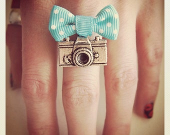Retro Vintage Camera ring with turquoise bow
