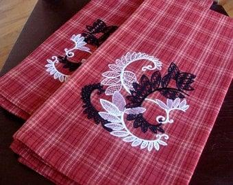 Lacy Leaves Tea Towels (Set of 2)