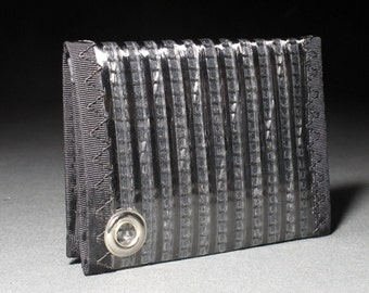 Rugged Carbon Fiber Trifold Wallet - Trifold ID Chain Wallet w/Change Pocket - Black