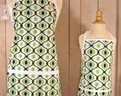 Feeling Groovy Mommy and Me Apron Set - Young Adult/Teen Size -  Reversible Apron Set