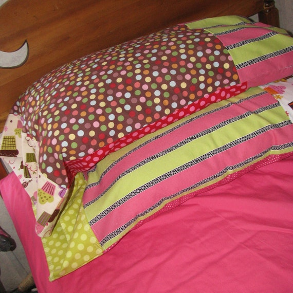 Pillow Case - cupcakes, lime green, pink - standard to queen - by Happy Campers of the South (PC043)