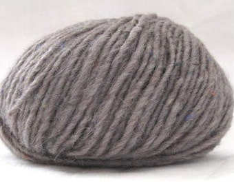 25% OFF SALE - mixed yarn - grayish brown