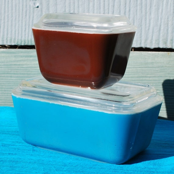 Pyrex Refrigerator Dishes Blue and Brown Set