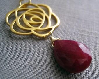 Mother of bride gifts, ruby & rose pendant necklace, mom gift, statement wedding jewelry, large gem, elegant, mog