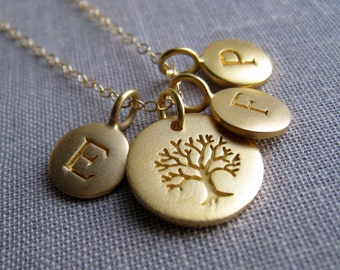 Personalized family tree necklace, gold family initial necklace, tree of life charm, mothers necklace, mommy necklace, grandmother