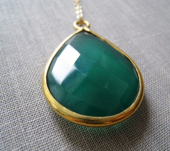 SALE Green onyx Necklace, large Gemstone bezel Pendant, Kelly green