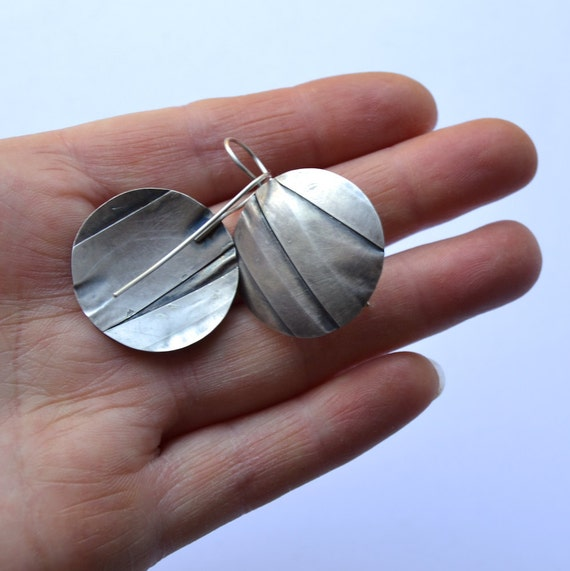OOAK silver disc earrings folds by DONAULUFT on Etsy