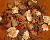 Primitive HEART Potpourri- 6 Mini beeswax Hearts scented VANILLA- Plus Prim Potpourri with cinnamon, hips, sweet annie scented GINGERBREAD