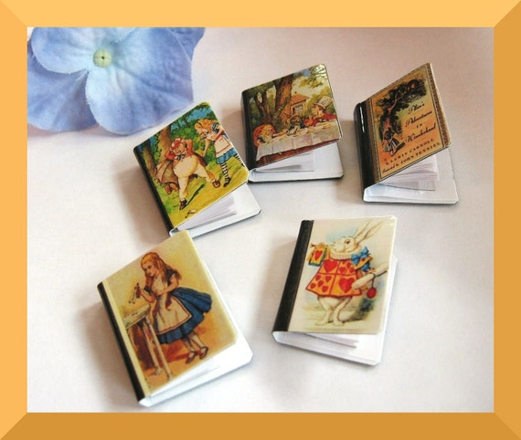 Decorative Magnet Set of 5 -  Alice in Wonderland - Miniature Books