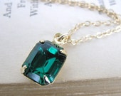 Emerald Vintage Rhinestone Necklace. Swarovski Crystal in Gold
