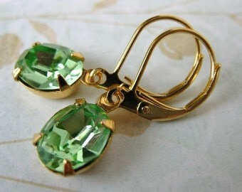Peridot Green Vintage Rhinestone Earrings Swarovski Crystal Gold