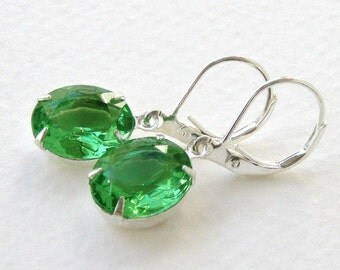 Emerald City. Vintage Rhinestone Earrings, Emerald Green and Silver