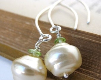 Vintage Pearl Earrings Ivory Peridot Glass Sterling Gemstone