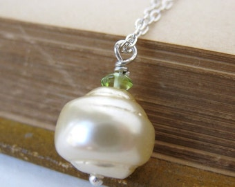 Vintage Pearl Necklace Ivory Peridot Green Sterling Gemstone Silver