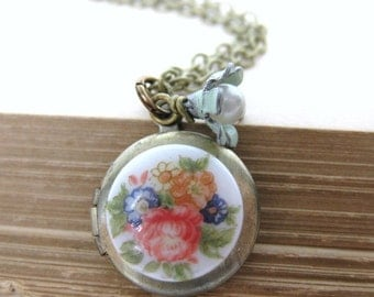 Vintage Locket Flower Necklace Pearl Charm Antiqued Brass Cameo