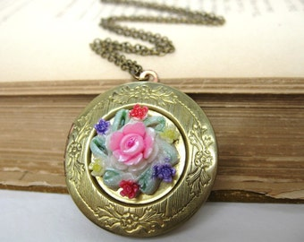 Vintage Locket Necklace Round Flower Antique Brass Pendant