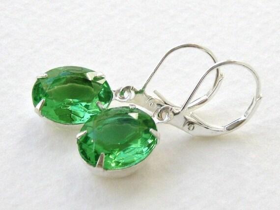 Emerald city vintage rhinestone earrings emerald green and for Emerald city nickname