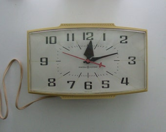 1960s Electric Kitchen Wall Clock