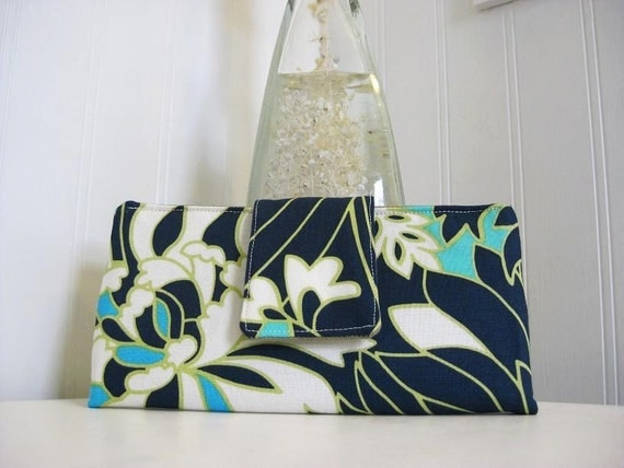 Must have wallet - Daisy Chain Wildflowers in Navy