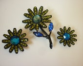 Flower Power MOD Pin and Earring Set in Rhinestones 1960s