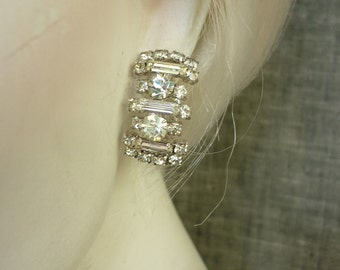vtg 1940s Rhinestone Earrings w Baguettes Clip-ons