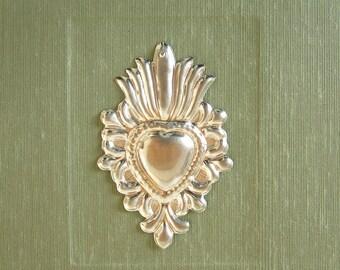 Photo album-Santa Fe destination wedding-8x10in. 20.5x24.5cm-Silver-plated heart milagro 50 page sage - Ready to ship