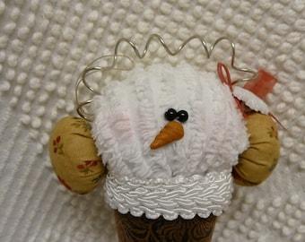 MINI PATTERN . . . . . . . . . . . . . . . . . . Snowcone with earmuffs ornament 128bE