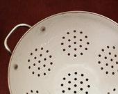 Retro White Kitchen Colander