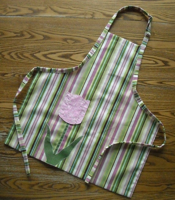 Sweet Little Girls Apron Heavy Cotton Duck With Applique Pocket
