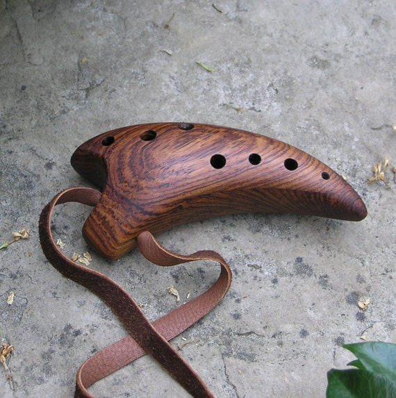 Claw Ocarina - Key of B - Rosewood - 9-hole Major Scale Chromatic tuning