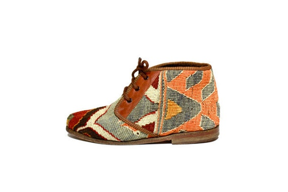 VTG Tapestry KILIM Lace Up Chukka Ankle Boot 7.5