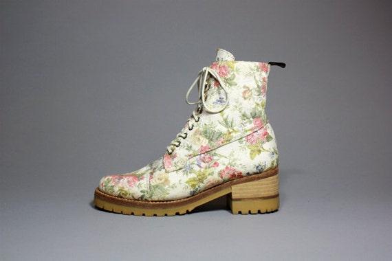 VTG 90's Avant Garde Floral Brocade Lace Up Combat Boot 8.5