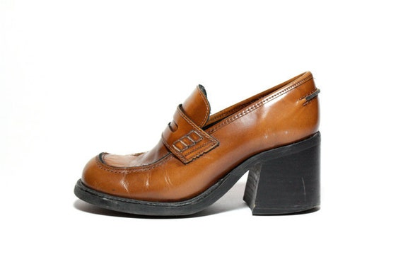 Vtg 90's Brown Leather Chunk Heel Penny Loafers 8