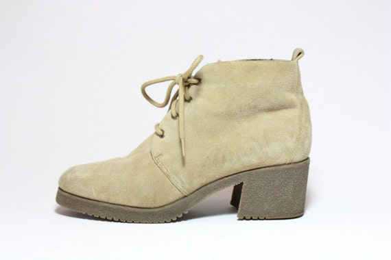 VTG  Tan Suede Lace Up Chunk Heel Chukka Ankle Boots 9