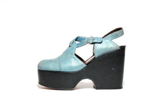 VTG 70's Sky Blue Italian Leather Mary Jane Platform Sandals 9