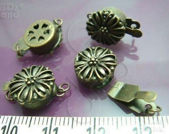 Clearance Sales -50% / B616BS / 8Sets / Diameter 12mm - Antique Brass Plated 12mm Boxed Filigree Clasps Findings.